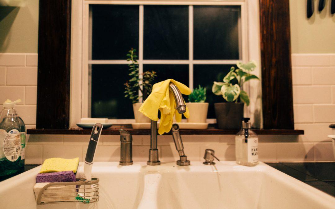 How to Clean a Kitchen Sink the Right Way